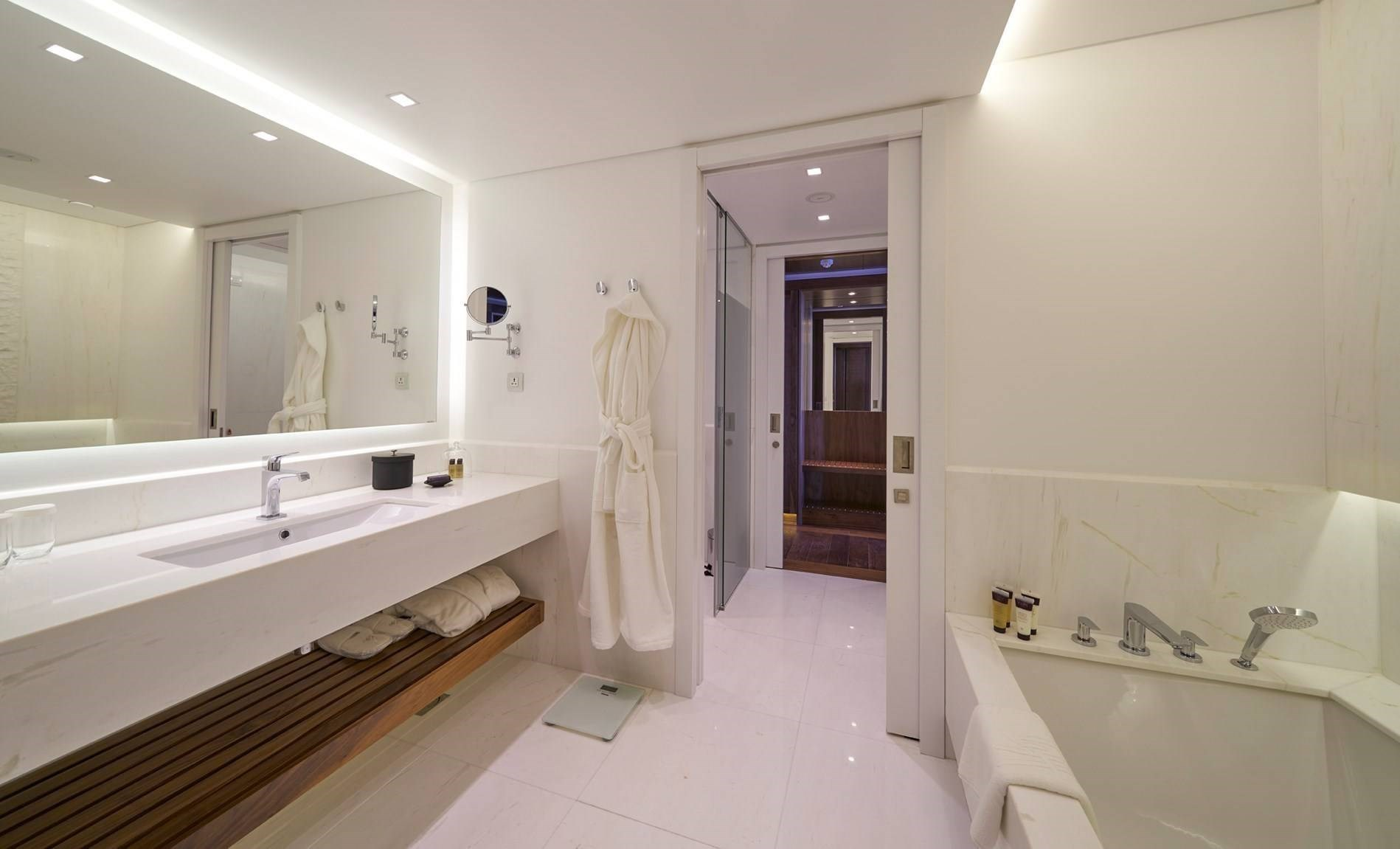 Les Suites at The Cliff Bay - Madeira Island - Suite WC